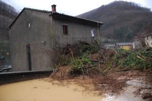La casa in località La Lima (PT) evacuata dai pompieri