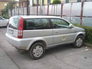 L'auto di Pisa dell'insolito parcheggio aglianese