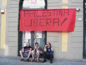 Il presidio per la Palestina sul Globo