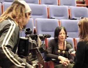 Donatella Giovannini durante un'intervista
