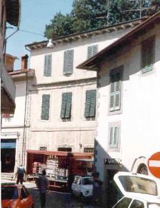 Una strada interna del centro di San Marcello