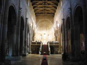 L'interno dell'Abbazia di Nonantola