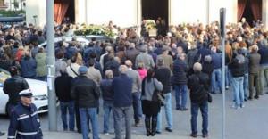 I funerali (foto da Il Tirreno Pistoia)