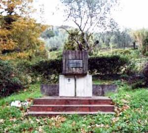 Serravalle. Il monumento a Adelmo Santini